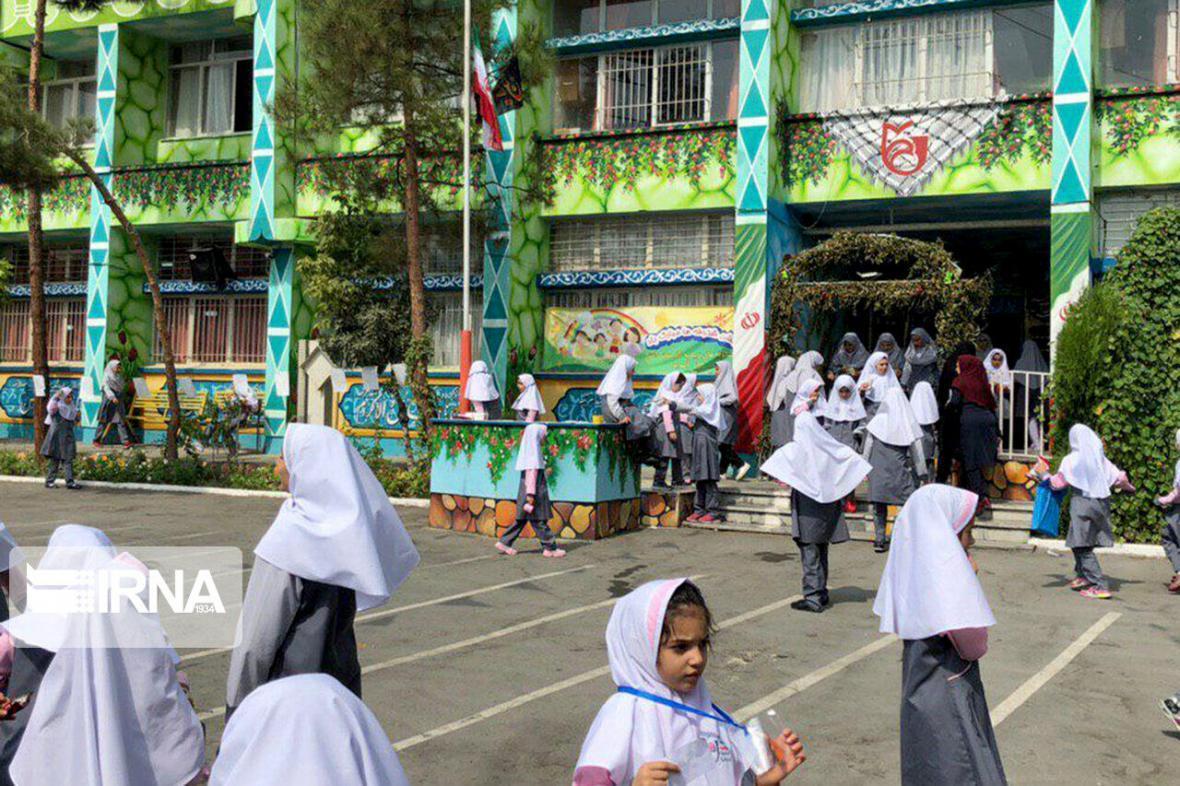 خبرنگاران مدارس میزبان شعب رای در خراسان شمالی ضدعفونی شد
