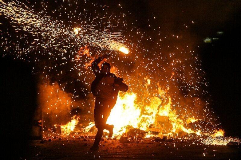 خبرنگاران هشدار آتش نشانی آستارا درباره سوزاندن لاستیک در چهارشنبه سوری