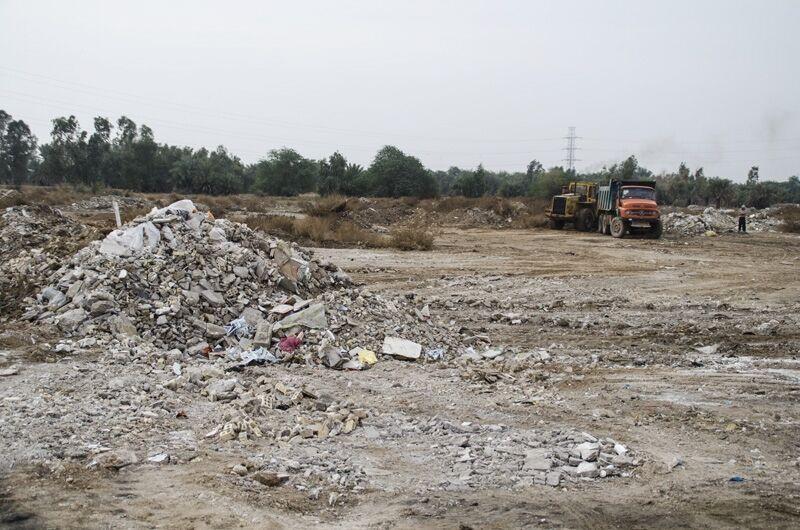 خبرنگاران عملیات پاکسازی و نخاله برداری بلوار اقبال لاهوری زاهدان انجام شد