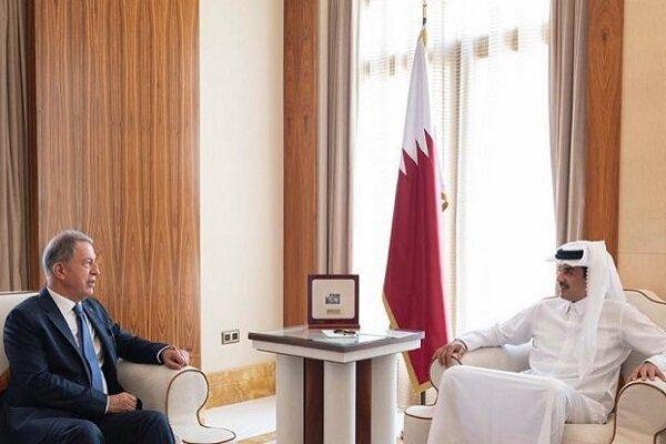 وزیر دفاع ترکیه با امیر قطر ملاقات و مصاحبه کرد
