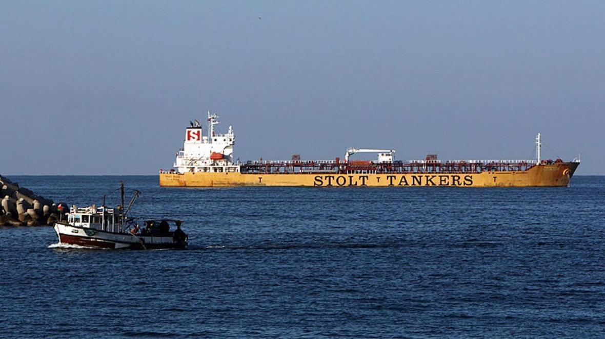 خبرنگاران حمله دزدان دریایی به نفتکش انگلیس در دریای عدن