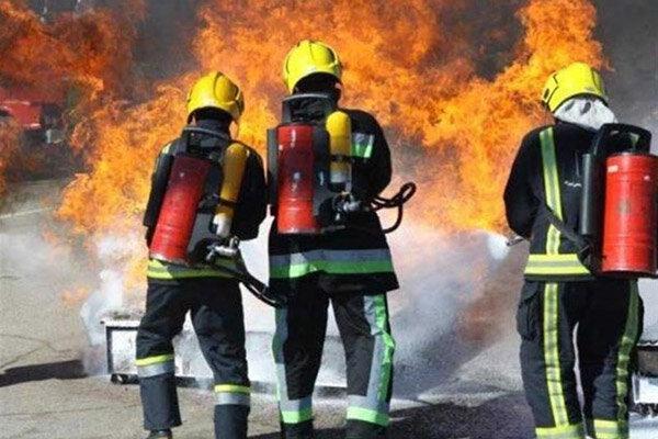 جزئیات آتش سوزی در نیاوران ، نجات 11 نفر از میان دود و آتش