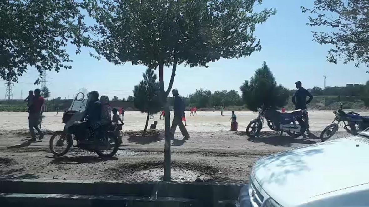 زمین فوتبال خاکی تفرجگاه بچه ها مشهدی