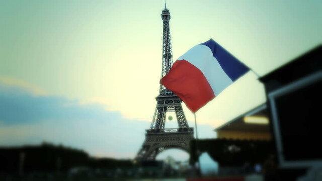 فرانسه در فکر اخراج 231 افراطگرای مظنون پس از قتل یک معلم