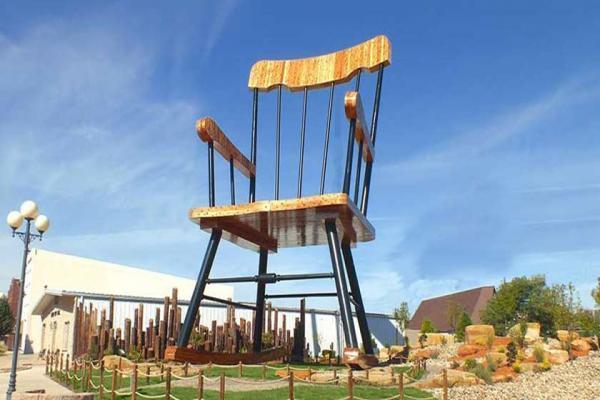 سفر به آمریکا: کیسی، شهری کوچک با اشیای عظیم
