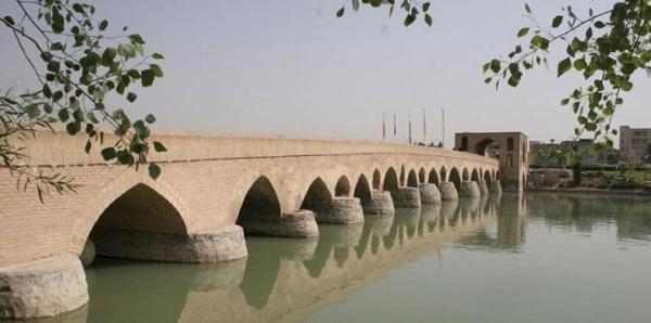 محدوده پل تاریخی شهرستان می تواند به محور گردشگری اصفهان تبدیل شود