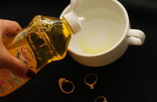 3 روش خانگی برای تمیز کردن طلا