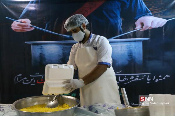 بیش از 1000 پرس غذای گرم در بین نیازمندان سمنانی توزیع شد