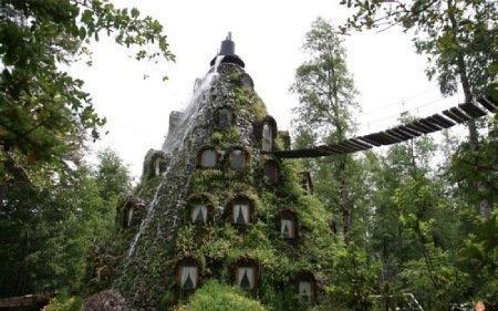 هتل لامونتانا؛ یکی از عجیب ترین هتل های جهان در شیلی، عکس