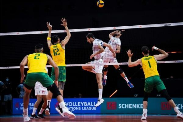 شکست ناباورانه ایران برابر استرالیا، بازگشت به بازی نیمه تمام ماند